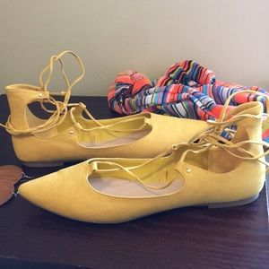 Old Navy Lace Up Flats Size 10